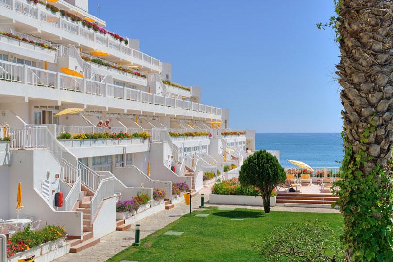 Clube Praia da Oura bedroom view