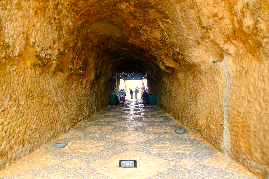 Tunnel that allows access to the beach