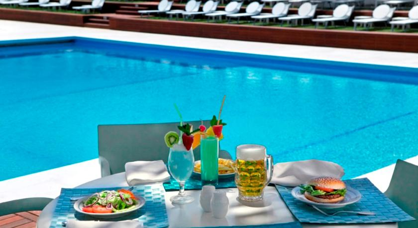 The pool terrace for relaxing moments