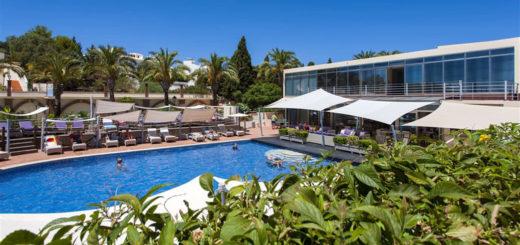Vila Castelo Parque Main Pool