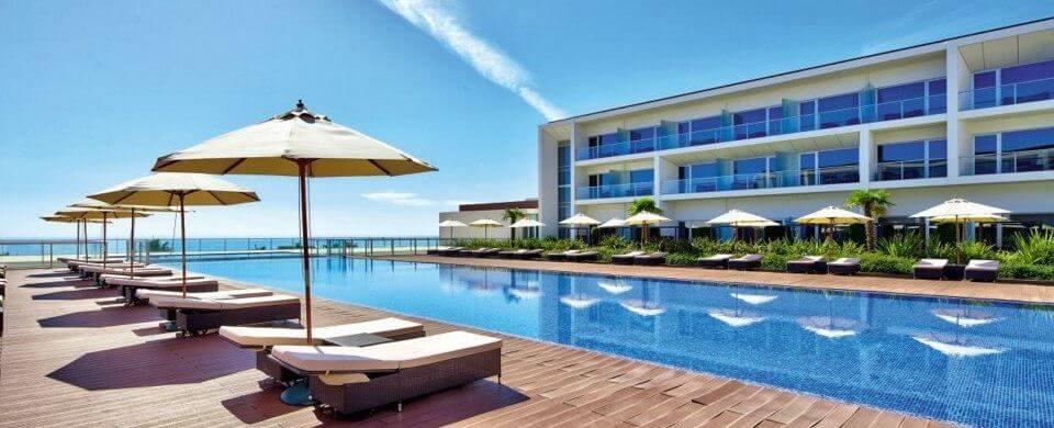 Yellow Lagos Meia Praia Hotel Pool