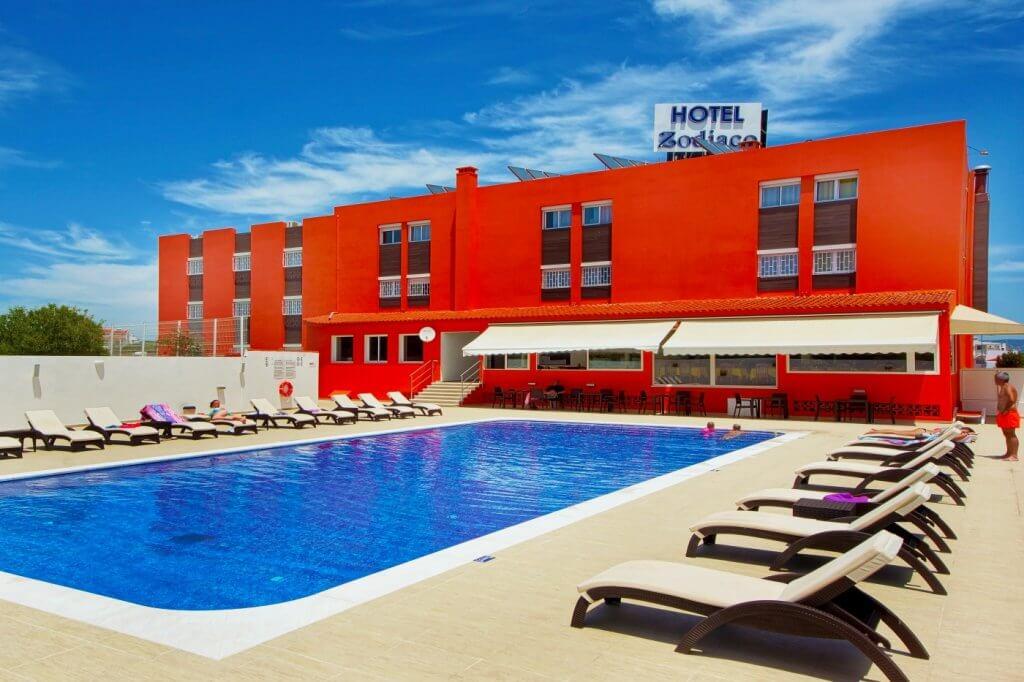 Transfers to Hotel Zodiaco